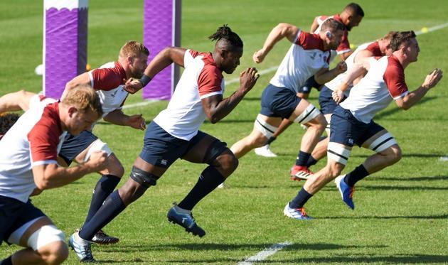 Les rugbymen anglais lors d'un entraînement à Tokyo le 9 octobre 2019 [William WEST / AFP]