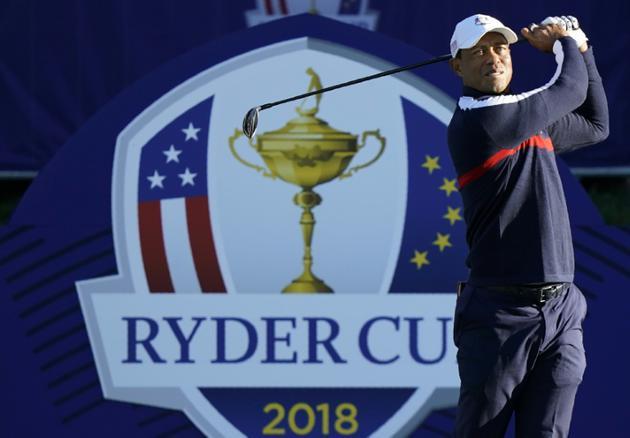 L'Américain Tiger Woods s'entraîne pour la Ryder Cup, au Gol National de Saint-Quentin-en-Yvelines, le 25 septembre 2018 [Lionel BONAVENTURE / AFP]