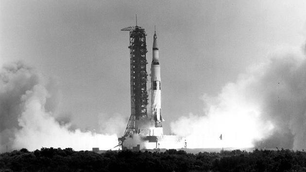 Apollo 11 décolle du centre spatial Kennedy (Floride), le 16 juillet 1969 [HO / NASA/AFP/Archives]