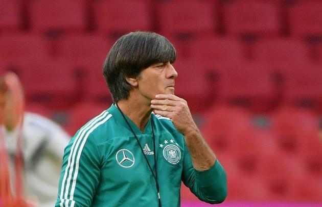 Joachim Löw lors d'une séance d'entraînement le 12 octobre 2018 veille du match face aux Pays-Bas [Emmanuel DUNAND / AFP]