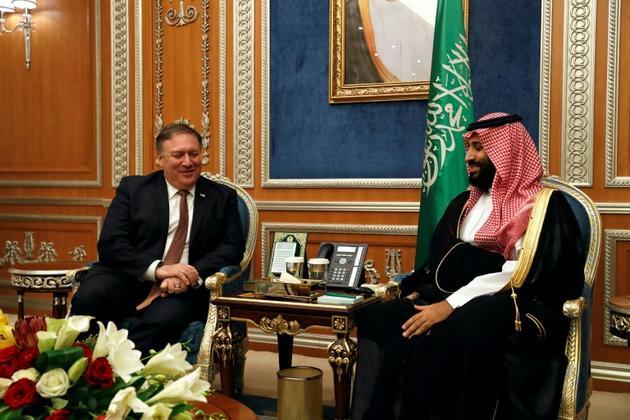 Le secrétaire d'Etat américain Mike Pompeo (g) et le prince héritier saoudien Mohammed ben Salmane à Ryad, le 16 octobre 2018  [LEAH MILLIS / POOL/AFP]