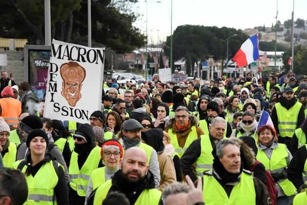 """Des """"gilets jaunes"""" manifestent à Béziers samedi 19 janvier 2019 [Pascal GUYOT / AFP]"""