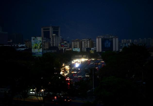 Caracas plongé dans la pire panne de courant de l'histoire du Vénézuela, le 8 mars 2019 [Ronaldo SCHEMIDT / AFP]