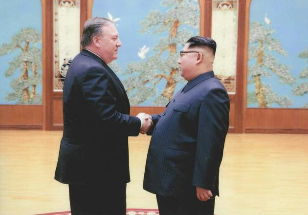 Mike Pompeo lors de sa rencontre avec Kim Jong Un à Pyongyang le 26 avril 2018 [ / AFP/Archives]