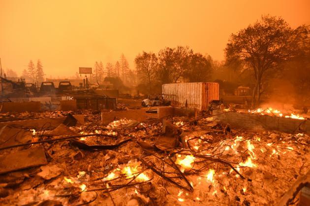 Un quartier détruit par l'incendie qui dévaste la ville de Paradise, en Californie, le 10 novembre 2018. [Josh Edelson / AFP]