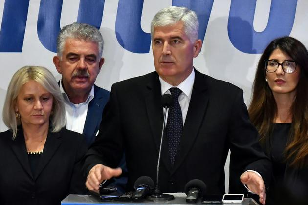Dragan Covic, candidat de la droite nationaliste croate à la présidence collégiale de Bosnie, le 7 octobre 2018 à Mostar [Elvis BARUKCIC / AFP]