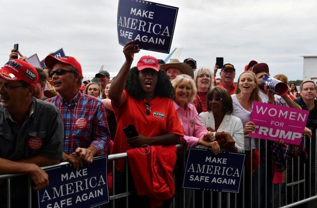 Des partisans du président américain Donald Trump lors d'un rassemblement à Macon, le 4 novembre 2018 en Géorgie [Nicholas Kamm / AFP]