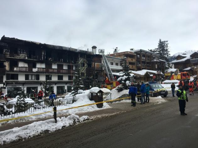 Incendie dans un ancien hôtel accueillant des saisonniers à Courchevel (Savoie), le 20 janvier 2019 [Fanny HARDY / AFP]