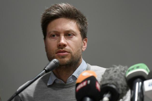Andrew Gardner, chercheur d'Amnesty International en Turquie, lors d'une conférence de presse le 27 février 2019 après l'inculpation du philanthrope turc Osman Kavala, accusé d'avoir soutenu les manifestations de 2013 contre le gouvernement [OZAN KOSE / AFP]