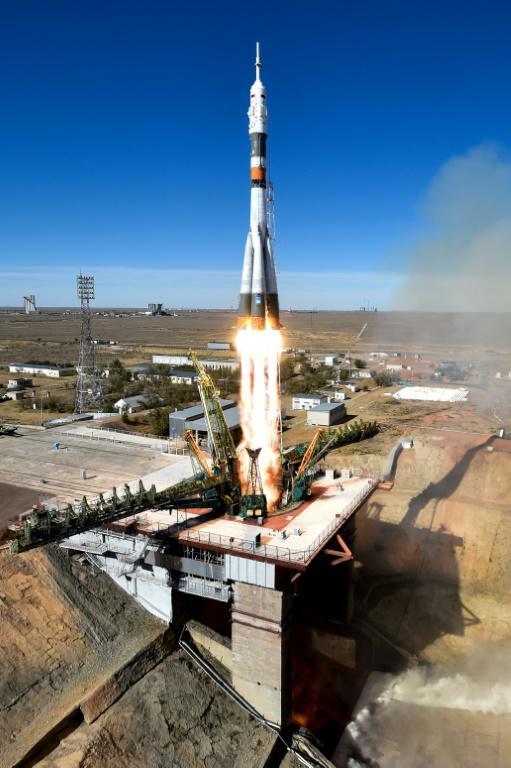 La fusée Soyouz lors de son décollage le 11 octobre 2018 à Baïkonour. [Kirill KUDRYAVTSEV / AFP]