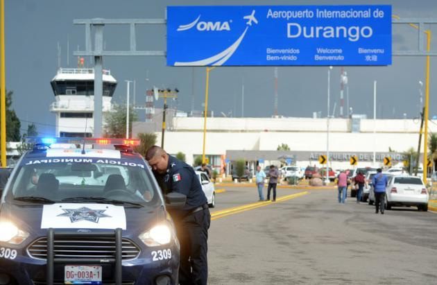 Un avion s'est écrasé à l'aéroport de Durango, dans le nord du Mexique, le 31 juillet 2018 [Lulu MURILLO / AFP]