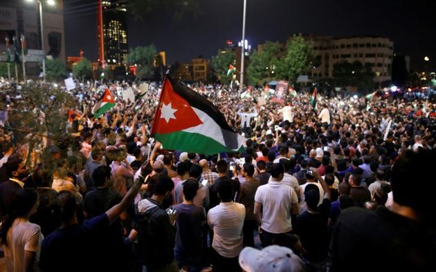Manifestation contre une réforme fiscale lancée par le gouvernement le 6 juin 2018 à Amman en Jordanie [AHMAD GHARABLI / AFP/Archives]