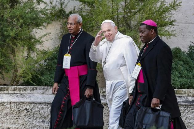 Le pape François arrive le 22 février 2019 à la deuxième journée de réunion de l'Eglise sur la pédophilie, au Vatican [GIUSEPPE LAMI / POOL/AFP]