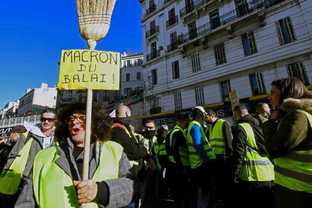 Une manifestante à Marseille, le 8 décembre 2018 [BORIS HORVAT / AFP]