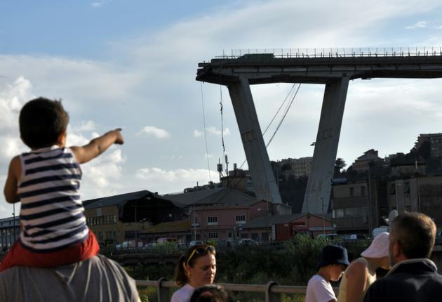Les restes du Pont Morandi après son effondrement, à Gênes (Ligurie), le 14 août 2018 [PIERO CRUCIATTI / AFP/Archives]