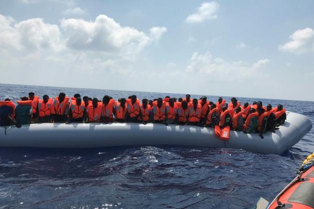 Sauvetage de migrants en Méditerranée par le navire