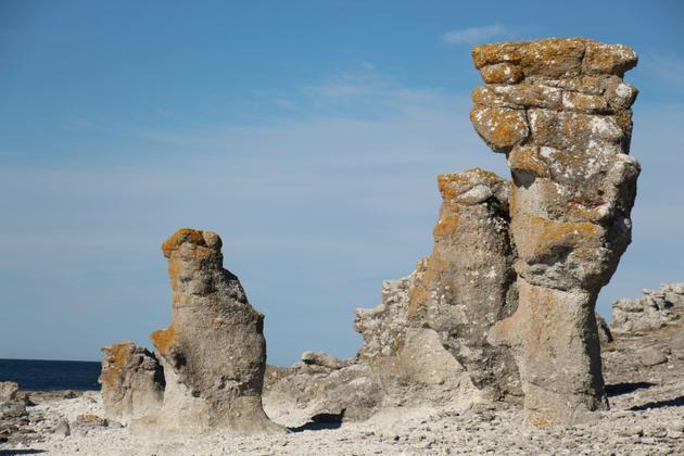 Des monolithes face à la mer Baltique sur l'île de Fårö en Suède où vécut le cinéaste suédois Ingmar Bergman le 18 juin 2018 [Gaël BRANCHEREAU / AFP/Archives]