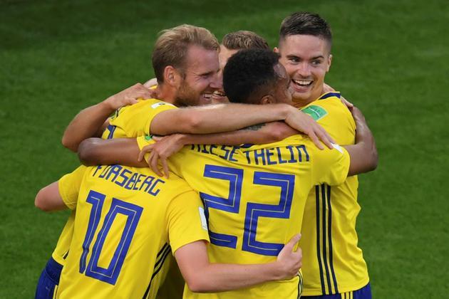 La joie des Suédois après un but contre son camp mexicain lors du Mondial, le 27 juin 2018 à Ekaterinburg [JORGE GUERRERO / AFP]