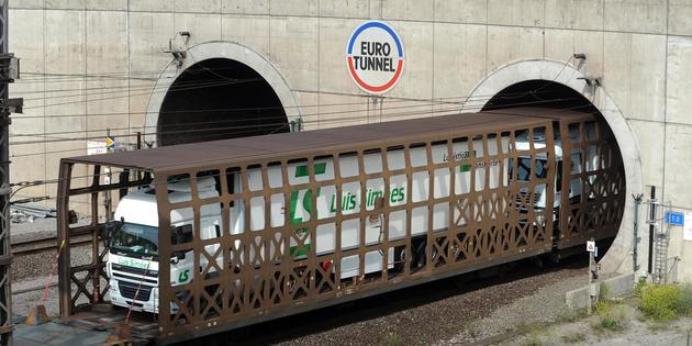 Tunnel sous la Manche : le trafic a repris après un incendie