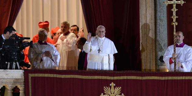 Le pape François a donné sa première bénédiction