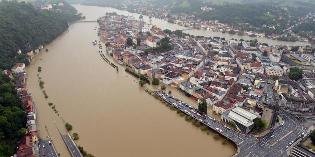 Inondations en Allemagne: Merkel dans les régions sinistrées