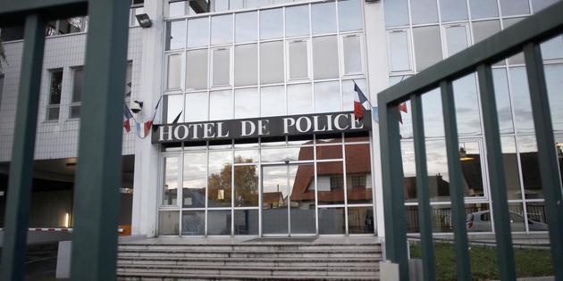Une polici re se suicide au commissariat de caen www for Pourquoi ecossais portent kilt