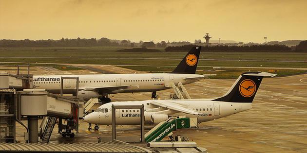 Un ovni perturbe le trafic aérien en Allemagne - Page 2 Bremen-airport-cc-blumbaum_1