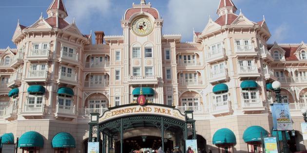 Arnaque à Disneyland : un trafic de faux billets démantelé