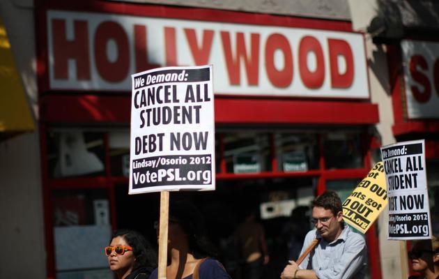 Des étudiants manifestent à Los Angeles contre le coût des prêts qu'ils souscrivent, le 22 septembre 2012 [David Mcnew / Getty Images/AFP/Archives]