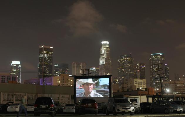 Le film To Wong Foo est projeté dans un cinéma drive-in à Los Angeles, le 9 juin 2013 [David Mcnew / Getty Images/AFP/Archives]