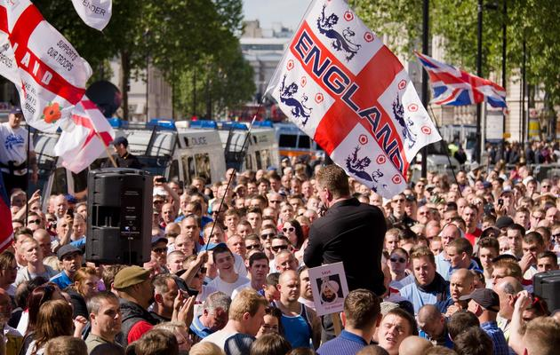 Manifestation de partisans de l'organisation d'extrême droite EDL (Ligue de défense anglaise) à Londres, le 27 mai 2013 [Leon Neal / AFP]