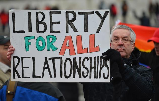 Un homme manifeste en faveur du mariage pour les couples homosexuels, le 24 mars 2013 à Londres [Ben Stansall / AFP/Archives]