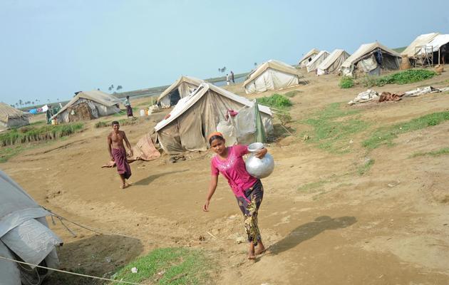 Une Rohingya, dans un camp de réfugiés dans la banlieue de Sittwe, le 18 mai 2013 [Soe Than Win / AFP]