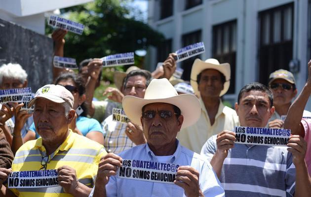 Des partisans d'Efrain Rios Montt réunis devant la Cour constitutionnelle, le 15 mai 2013 à Guatemala City [Johan Ordonez / AFP/Archives]
