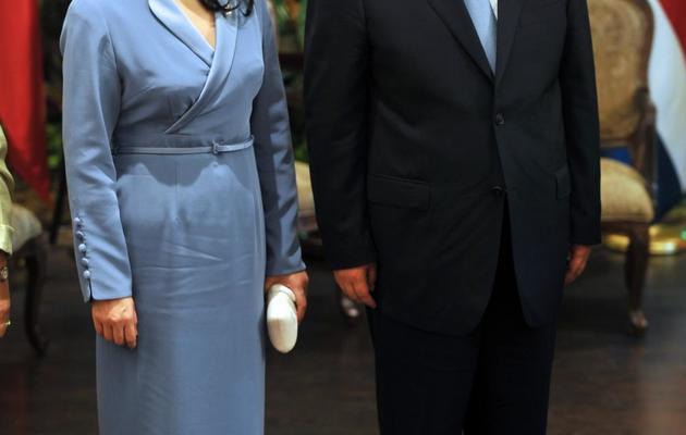 Le président chinois Xi Jinping et sa femme, le 3 juin 2013 à San José au Costa Rica [Hector Retamal / AFP]