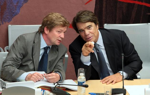 Bernard Tapie  et son avocat Me Maurice Lantourne (G), le 10 septembre 2008 à Paris [Jacques Demarthon / AFP/Archives]