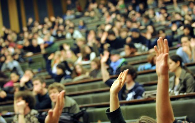 Des étudiants dans un amphitéâtre [Patrick Hertzog / AFP/Archives]