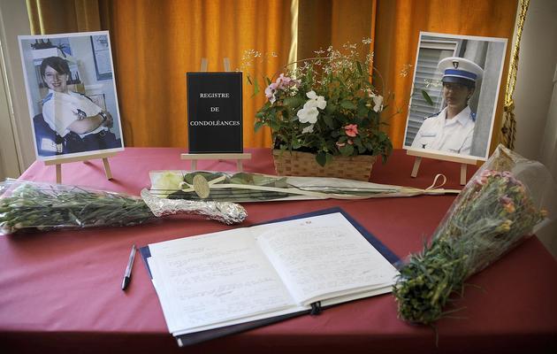 Photos  d'Aurélie Fouquet, sur le registre de condoléances le 21 mai 2010 à la mairie de Villiers-sur-Marne [Olivier Laban-Mattei / AFP/Archives]