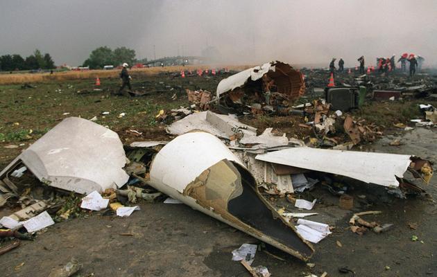 Les débris du Concorde le 26 juillet 2000 à Gonesse au lendemain du crash [Joachim Bertrand / AFP/Archives]