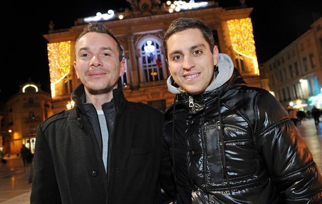 Vincent Autin (g) et son compagnon Bruno, qui devraient former le premier couple gay marié en France, posent à Montpellier, le 12 janvier 2013 [Pascal Guyot / AFP/Archives]