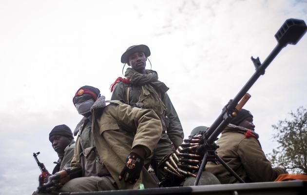 Des soldats maliens à un check-point près de Sévaré, le 27 janvier 2013 [Fred Dufour / AFP]