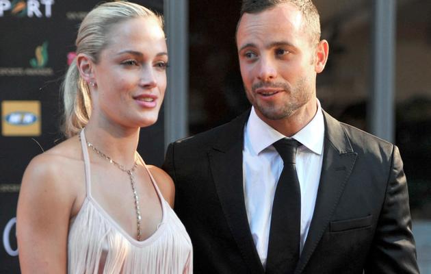 L'athlète sud-africain Oscar Pistorius et Reeva Steenkamp, le 4 novembre 2012 lors d'une cérémonie à Johannesburg [Lucky Nxumalo / AFP/Archives]