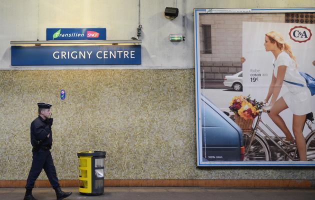 La station de RER de Grigny (Essonne), le 19 mars 2013, trois jours après une attaque de passagers par des adolescents [Martin Bureau / AFP/Archives]