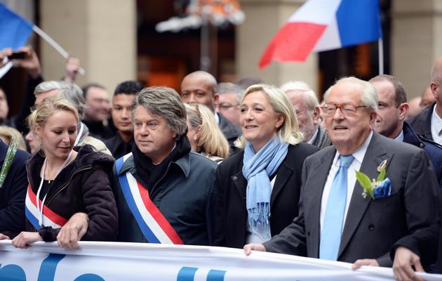 Jean-marie Le Pen (d) , Marine Le Pen,  Marion Maréchal-Le Pen et  Gilbert Collard, manifestent le 1er mai 2013 à Paris [Eric Feferberg / AFP/Archives]