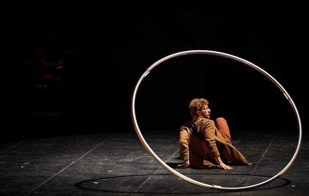 Un artiste du cirque Plume, le 15 mai 2013 à Besançon [Sebastien Bozon / AFP]