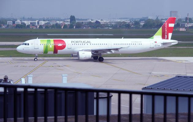 Un avion de la compagnie aérienne portugaise TAP, le 17 mai 2013 à l'aéroport d'Orly [Eric Piermont / AFP/Archives]
