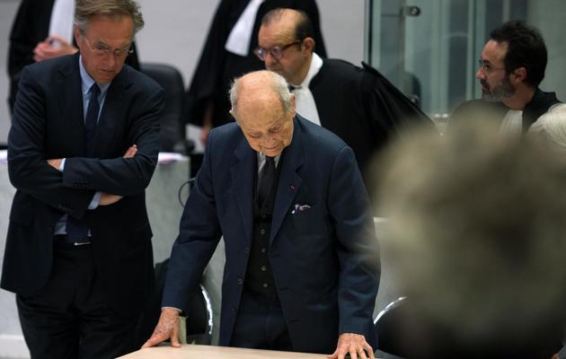 Jacques Servier (C) devant le tribunal correctionnel de Nanterre, le 21 mai 2013 [Lionel Bonaventure / AFP]