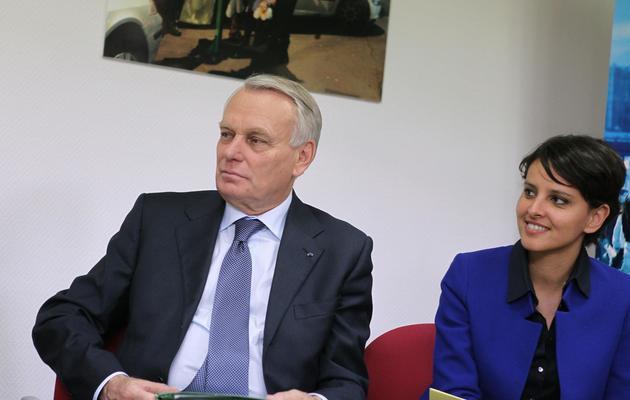 Le Premier ministre Jean-Marc Ayrault et Najat Vallaud-Belkacem, à Evreux, le 23 mai 2013 [Charly Triballeau / AFP/Archives]