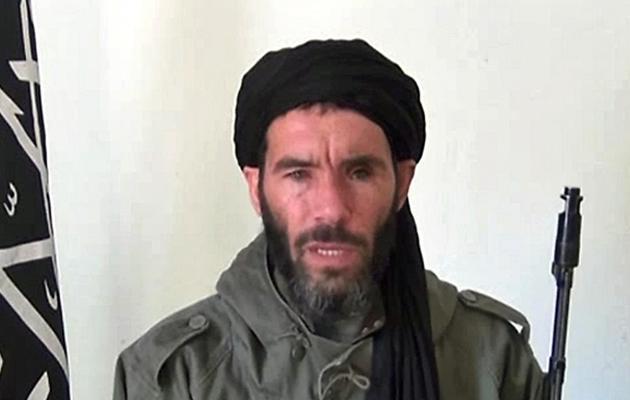 Capture d'écran non datée d'une vidéo fournie par l'agence mauritanienne Ani montrant  Mokhtar Belmokhtar [ / ANI/AFP/Archives]