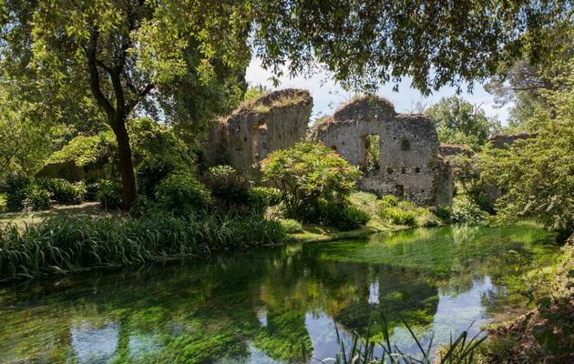 Vue prise le 18 mai 2013 du jardin de Ninfa, situé à 60 km au sud de Rome [Laurent Kalfala / AFP/Archives]